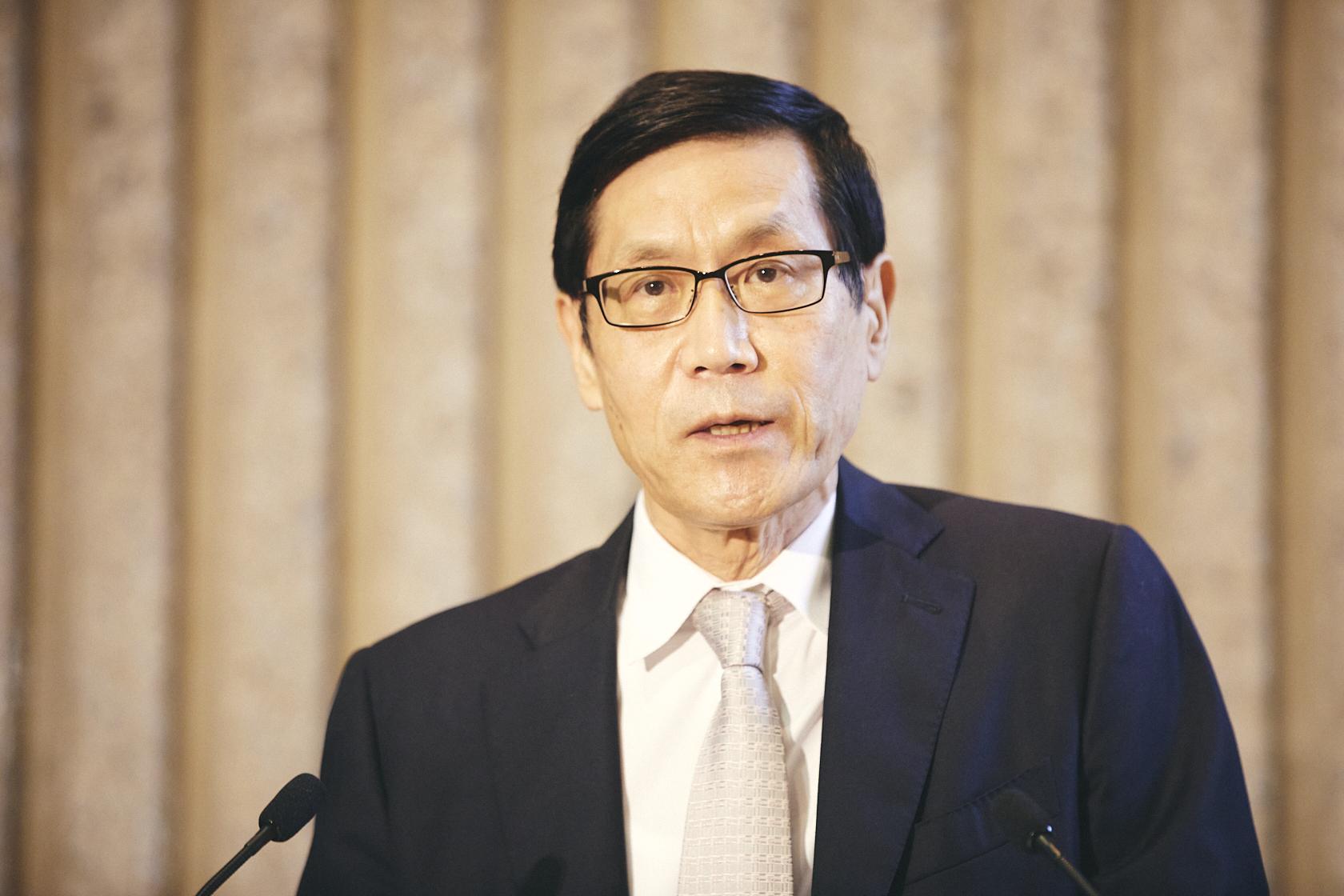 学長(経済学部教授)村田 玲音